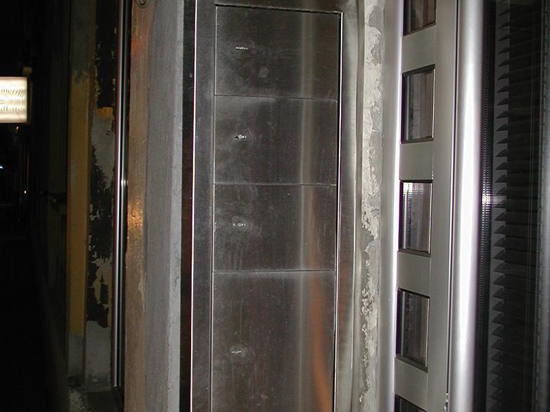 ban-inox-crna-metalurgija-zidni-sef